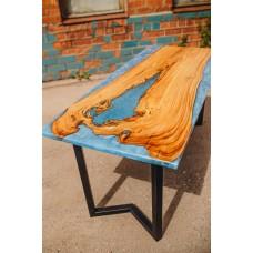 Стол из карагача и голубой перламутровой эпоксидной смолы